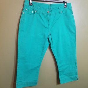 Brand new never worn Capris/ jeans
